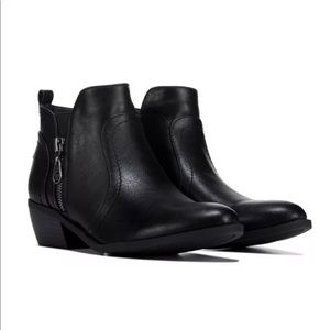 New Women Black G By Guess Tammie Side Zip Boots